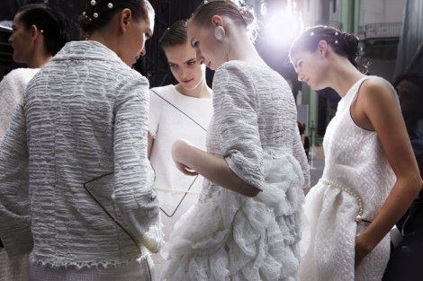 chanel-spring-summer-2012-ready-to-wear-backstage